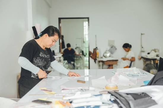 stitching-cutting